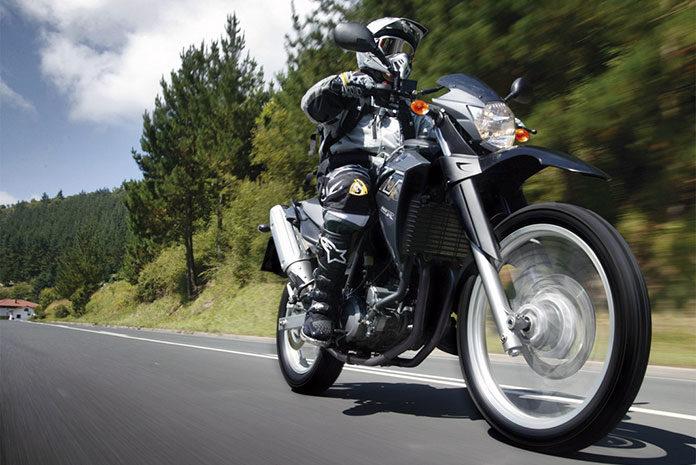 Jaki kombinezon dla motocyklisty wybrać?
