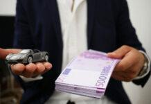 Dodatkowe opłaty związane z wynajmem auta. O czym warto pamiętać